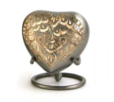 Cl.Engraved Platinum- Heart Keepsake